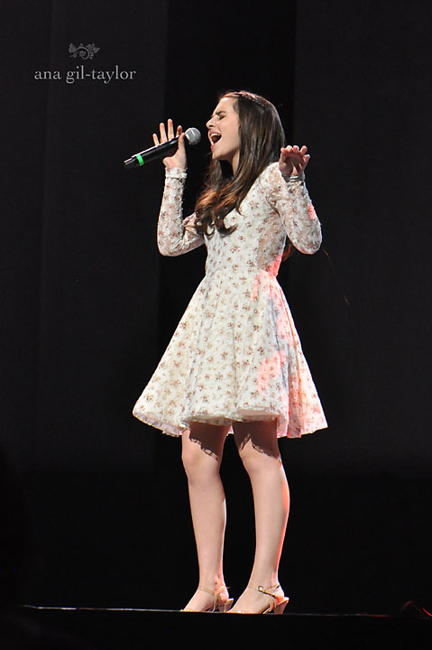 X-factor runner up  Carly Rose Sonenclar performes